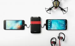 Pocket:一款方便携带的钱包+移动电源