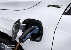中国新能源车保有量达100.4万辆 公共充电桩数量超16.1万个