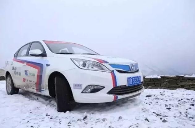 电动车爬雪山靠谱吗?青海湖电动车大赛正在这么干