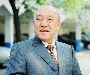 """鲁冠球:锂电新能源产业链上的""""浙商""""典范"""