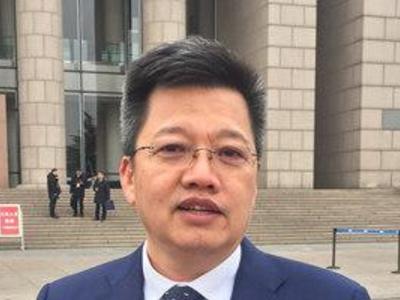 省人大代表于德翔:打造全国最大的新能源汽车充电网