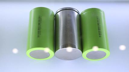 4680大圆柱风起 比克电池预计年内实现批量下线