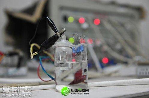 复旦研发新型水锂电池:充电10秒 能跑400公里