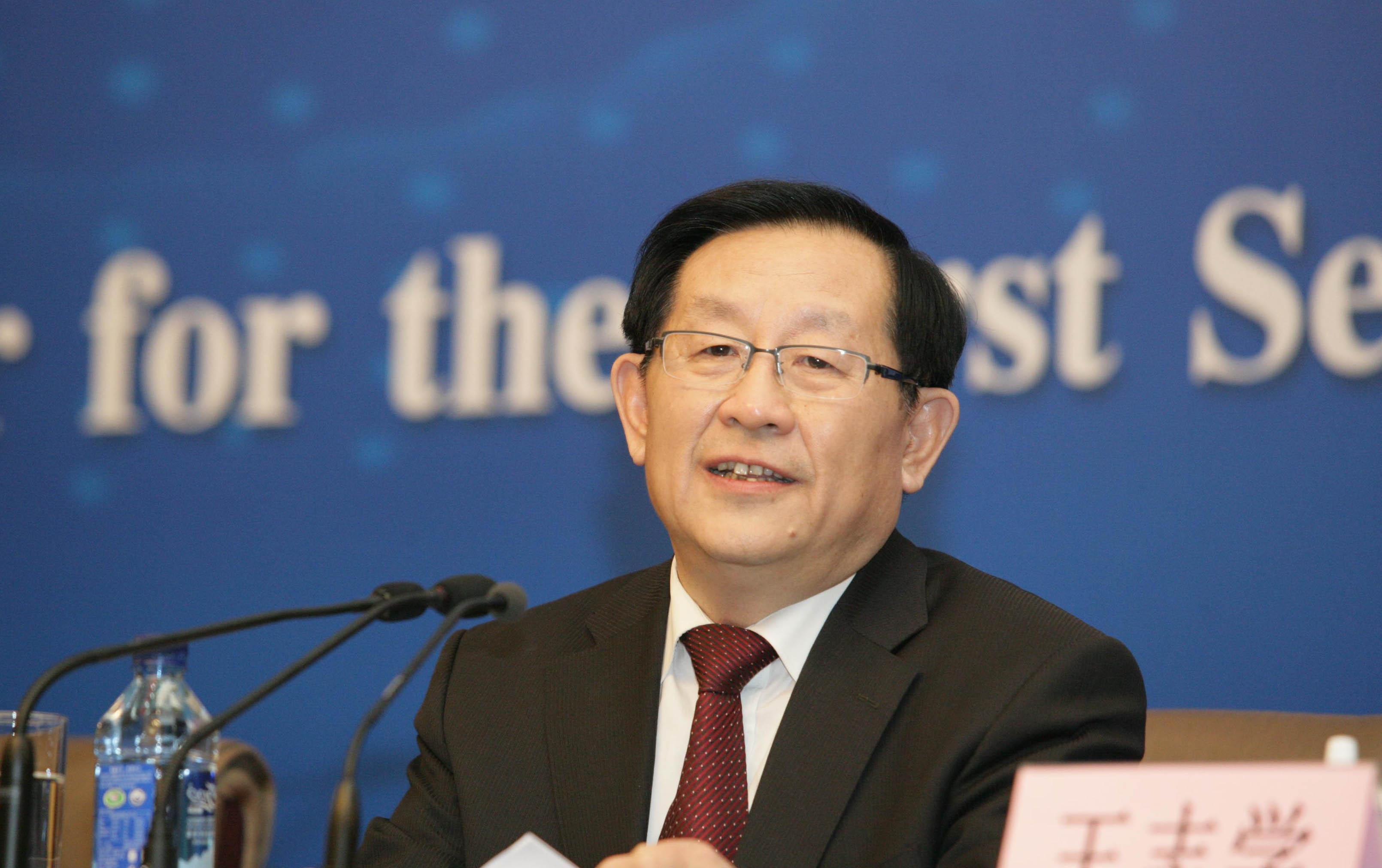 万钢:中国新能源汽车发展摇旗呐喊者