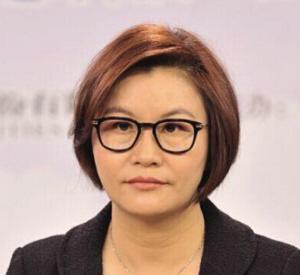 中国新女首富周群飞30年发家史:打工妹没靠小三上位