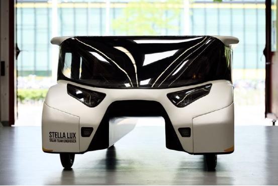 全新家用太阳能汽车亮相 续航超1000公里