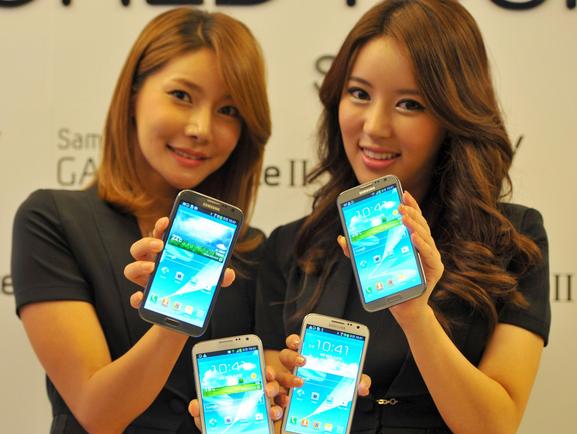 """韩国三星电子净利润再下滑  手机业务""""高不成低不就"""""""