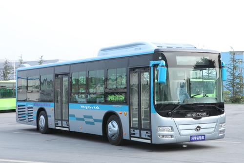 1-10月混合动力客车累计产量比纯电动客车少3.1万辆