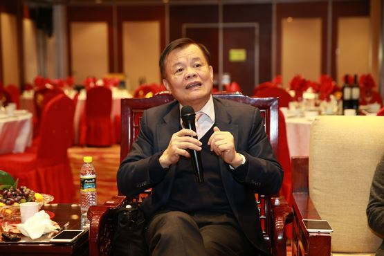 黄宏生56岁转战新能源车 南京金龙迎爆发增长