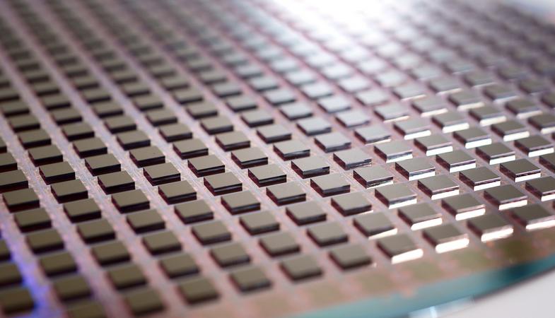 石墨烯遭上市公司集体炒作 专家称对电池技术促进有限