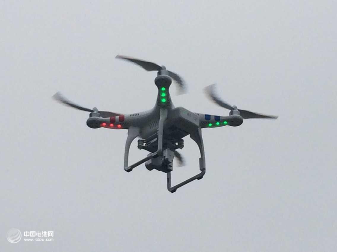 中国无人机市场规模 2025年有望达到750亿元