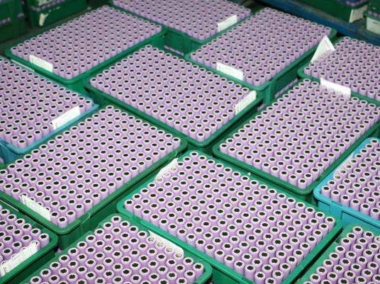 锂电池三元正极材料备战旺季 领先企业月出货量超400吨