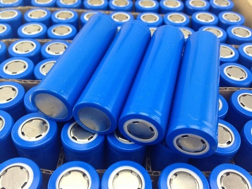 铅酸电池享整合红利 三元锂电需求爆发