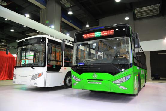 银隆新能源携广通车亮相2016广东国际城市公交展