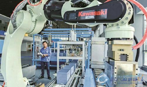浙江海悦机器人成功自主研发铅酸蓄电池生产线