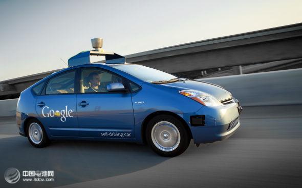 无人驾驶汽车成关注焦点 能否快速驶入现实待考