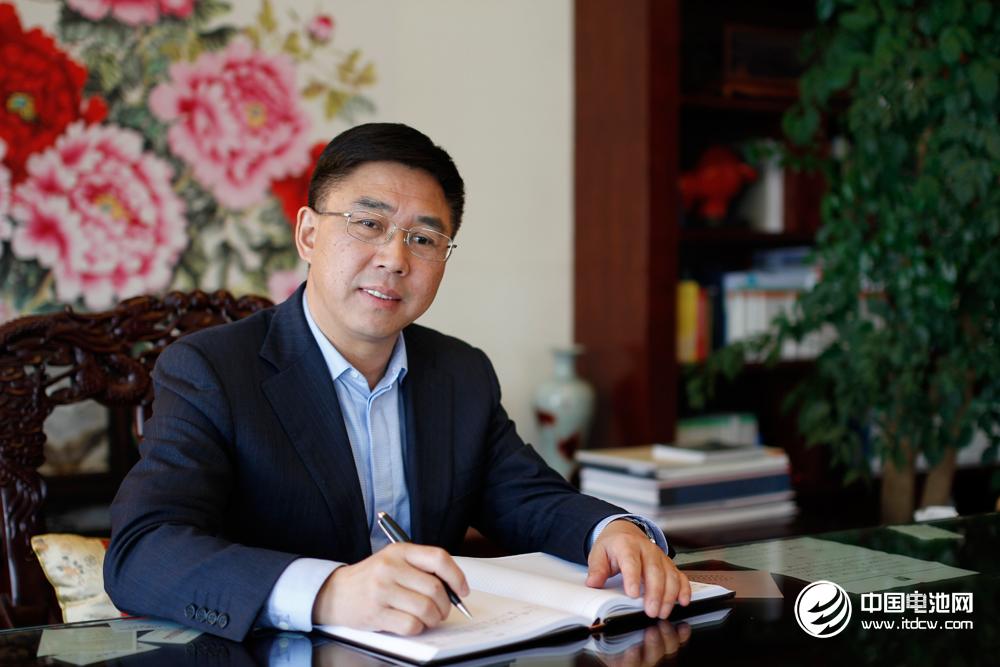 """国轩高科董事长李缜获评""""2016中国电池行业年度人物"""""""