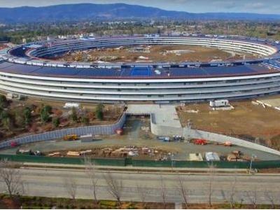 苹果Campus 2 飞船总部4K无人机捕捉礼堂镜头