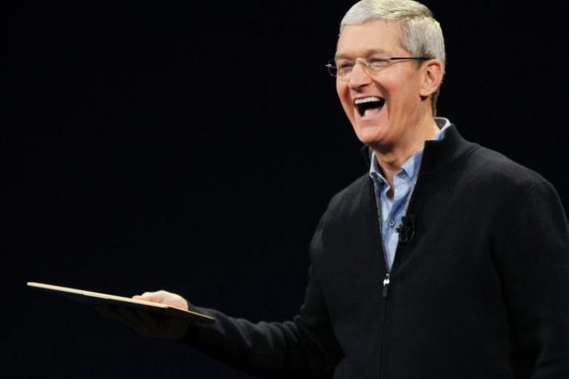 苹果CEO库克告诫年轻人: 只为钱工作 永远不会快乐
