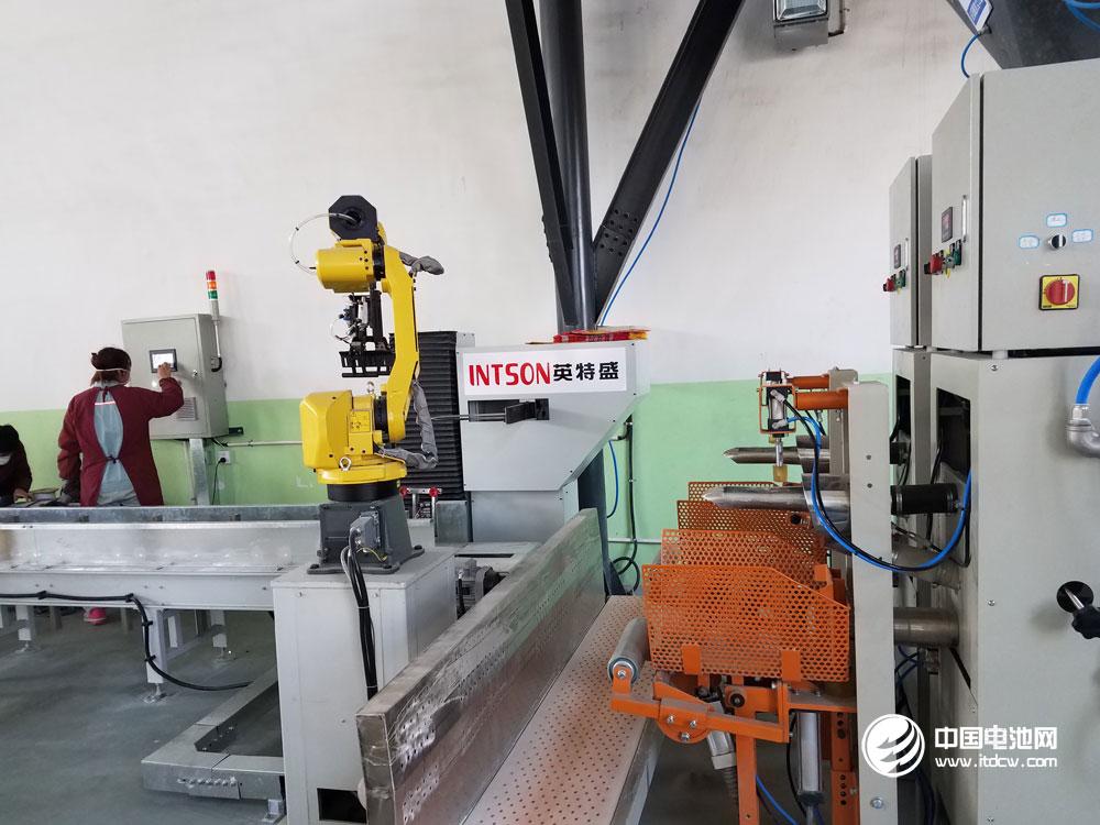 中国机器人销量四年世界第一 但进口机器人占九成市场