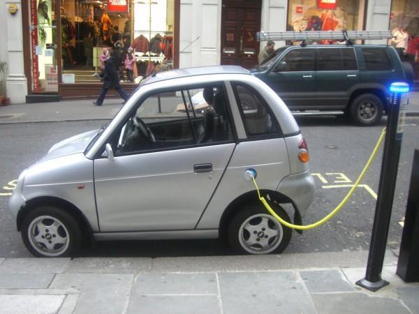 充电基础设施薄弱 印度想在2030年取消燃油车 靠谱吗?
