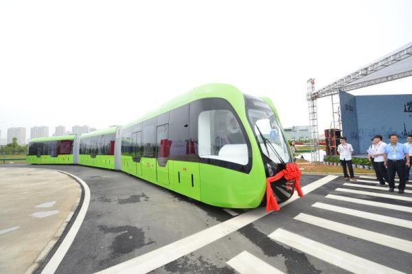 中车发布全球首列虚拟轨道电车:三节31米 将实现无人驾驶