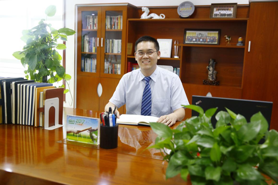 李云峰:争当行业先锋 志在新能源产业巅峰
