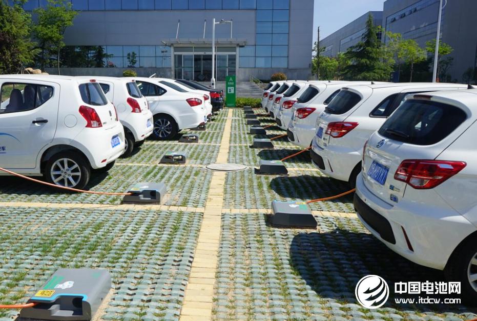 2017年中国新能源乘用车行业年度竞争力品牌榜单