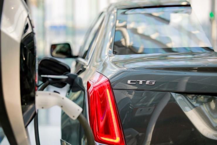 推10款新能源车型17.2亿建电池工厂 通用如何规划在华战略?