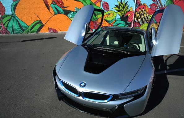 宝马汽车着手开发电动汽车专用固态电池技术