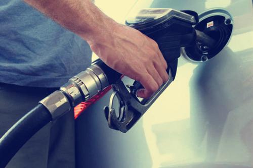 法规逐年加严为何降油耗原地踏步? 只靠新能源汽车不可取
