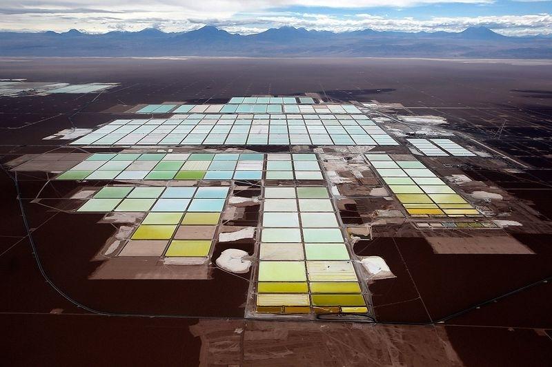 智利锂矿巨头达成增产协议 2025年SQM可产21.6万吨碳酸锂