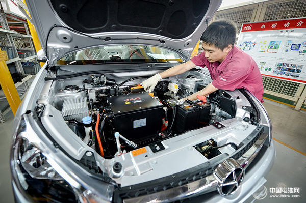 工信部苗圩:我国新能源汽车保有量占全球一半以上