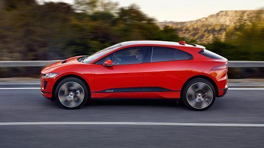 捷豹推出首款全电动汽车 专门针对特斯拉Model X设计
