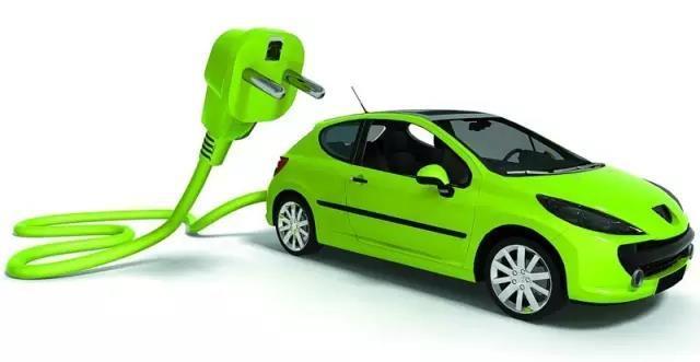 """代表委员追问电池回收:新能源汽车热销 电池""""退役""""后咋办"""