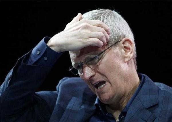 """苹果手机屡屡出现故障 维修商拒绝""""三包""""服务"""