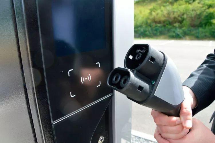 保时捷预计2019年在北美部署500个充电桩
