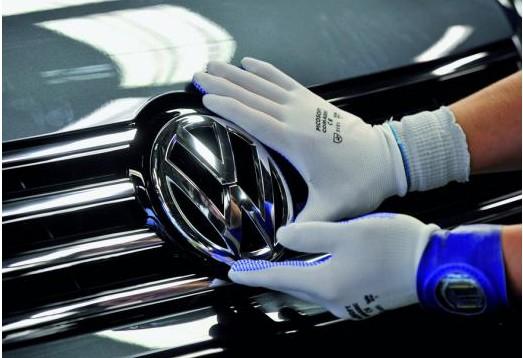 大众将电动汽车电池采购合同规模扩大一倍 达3052亿