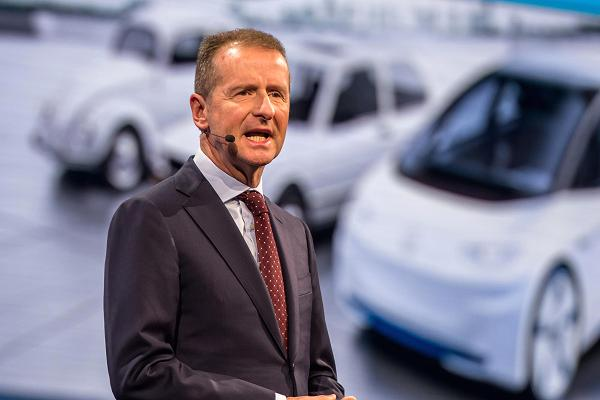 大众CEO迪斯:呼吁欧洲强化电池产业 担心落后于亚洲