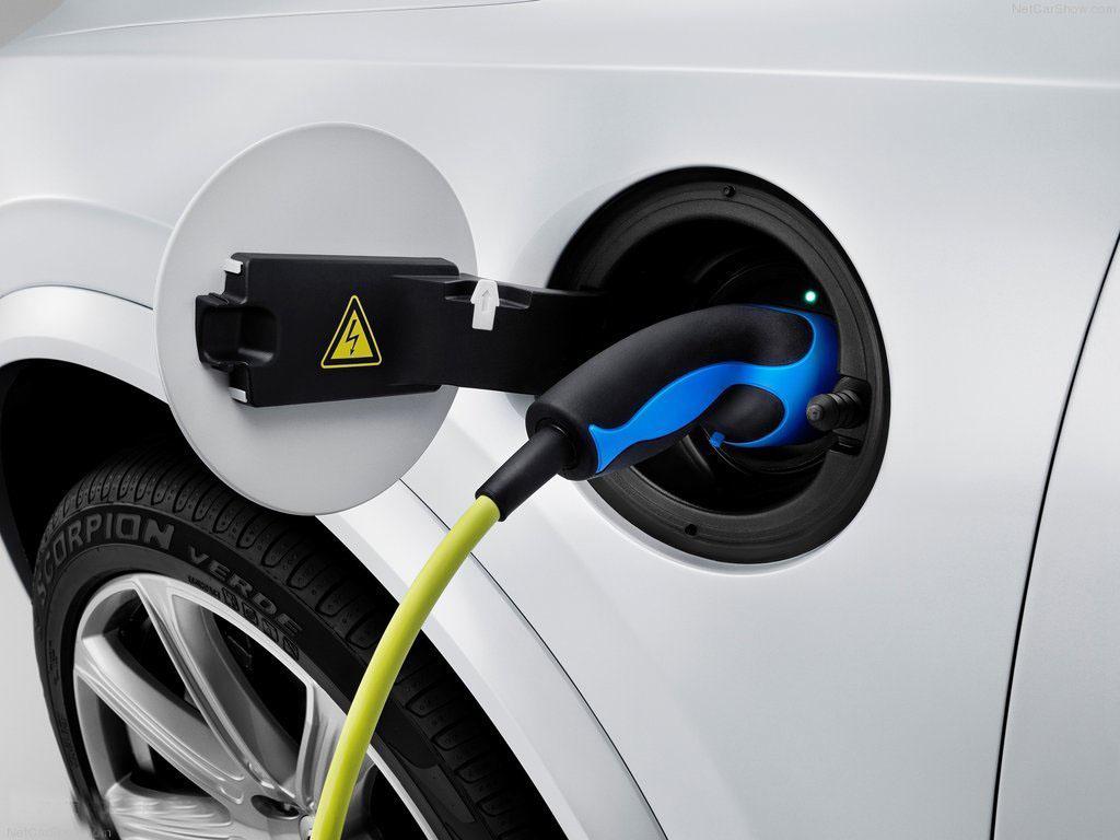 """政策与市场现双重利好 11只新能源汽车龙头股迎""""升""""机"""