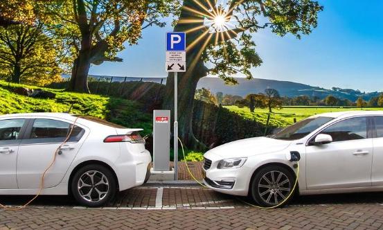 美方出尔反尔 国产新能源汽车或遭危机