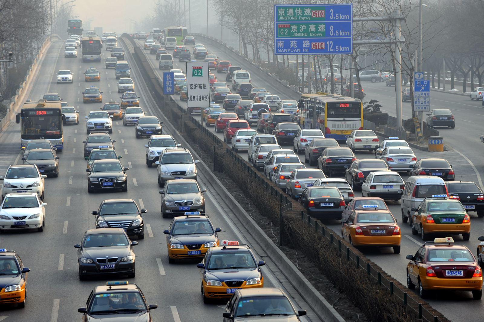 生态环境部:机动车污染已成中国空气污染重要来源