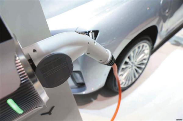 国补加速退坡 新能源汽车地补应向何处去