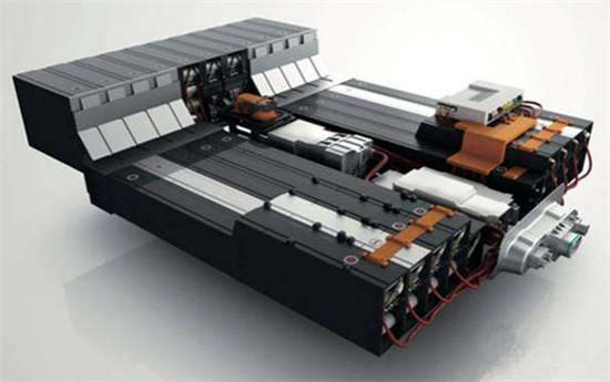 新型电解液可大幅改善电动汽车电池性能 延长电池寿命