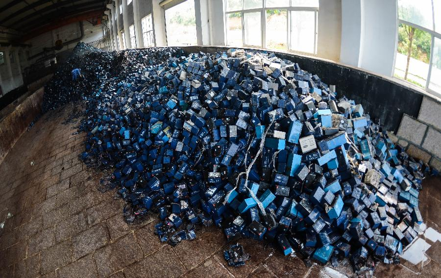 整治废旧铅酸电池流入黑市  需要立法发力