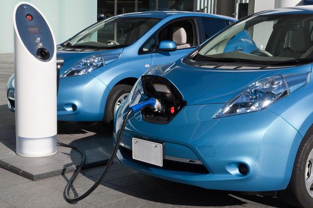 新就业杀手来了!日系车2050年只销售混动或电动汽车