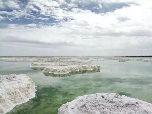盐湖股份上半年亏损逾11.8亿 新濠天地产销大幅上涨