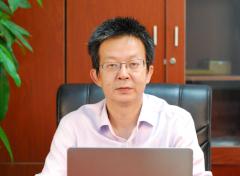 """王晓明:电池膜材料""""技术大咖""""  三十载扎根新能源行业"""