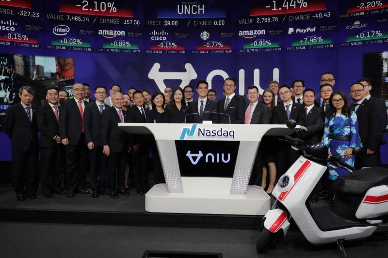 成立四年的小牛电动成功赴美IPO 创始人李一男亲赴敲钟现场