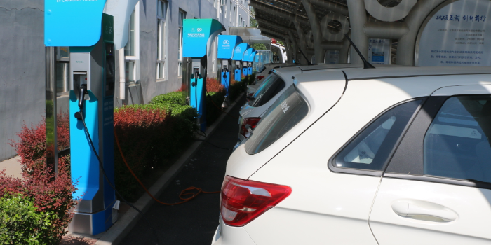 2018年我国新能源汽车生产127万辆 销售125.6万辆